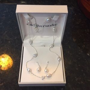 NIB pearl necklace and earring set